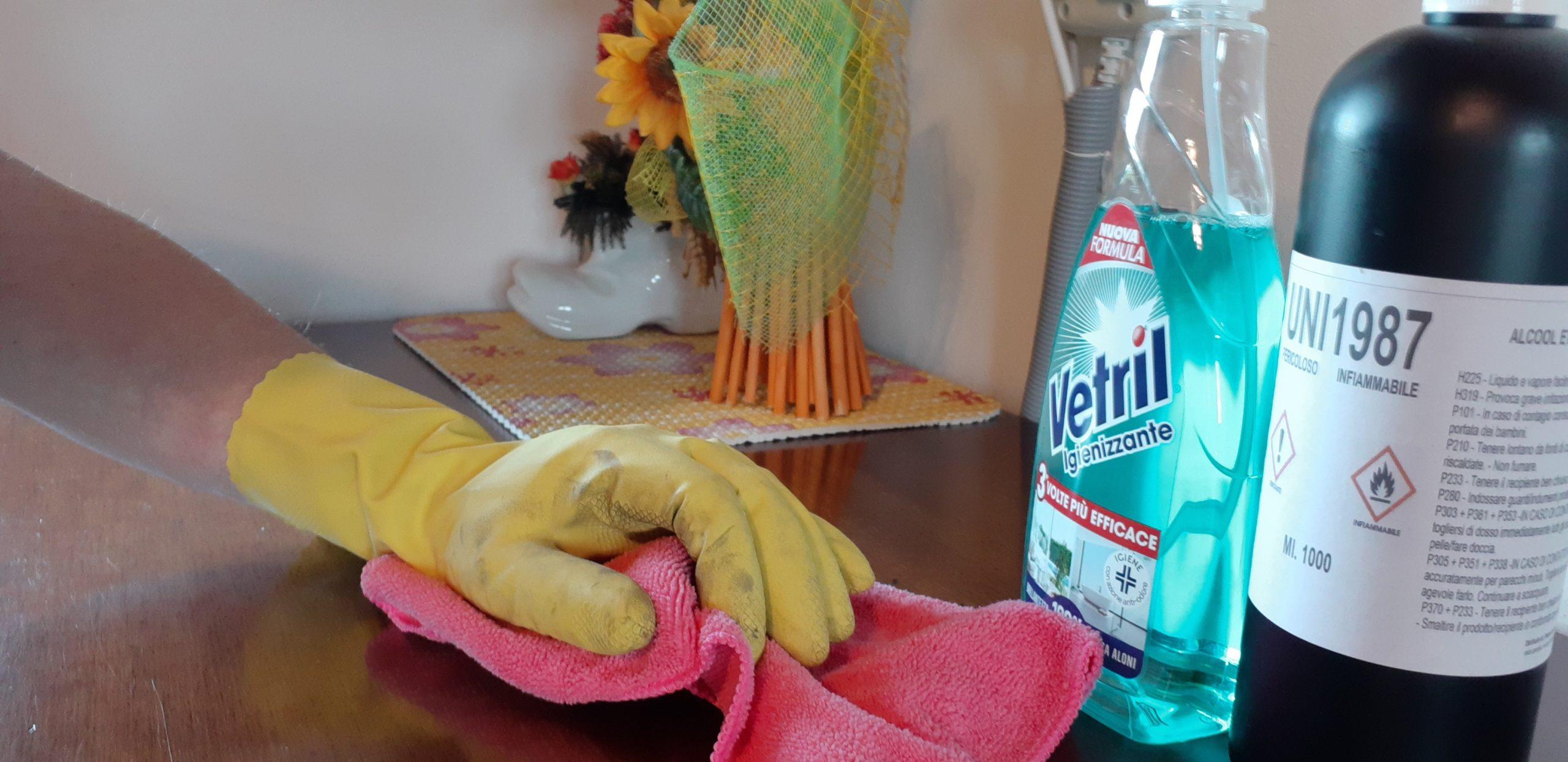 pulizia approfondita del mobilio